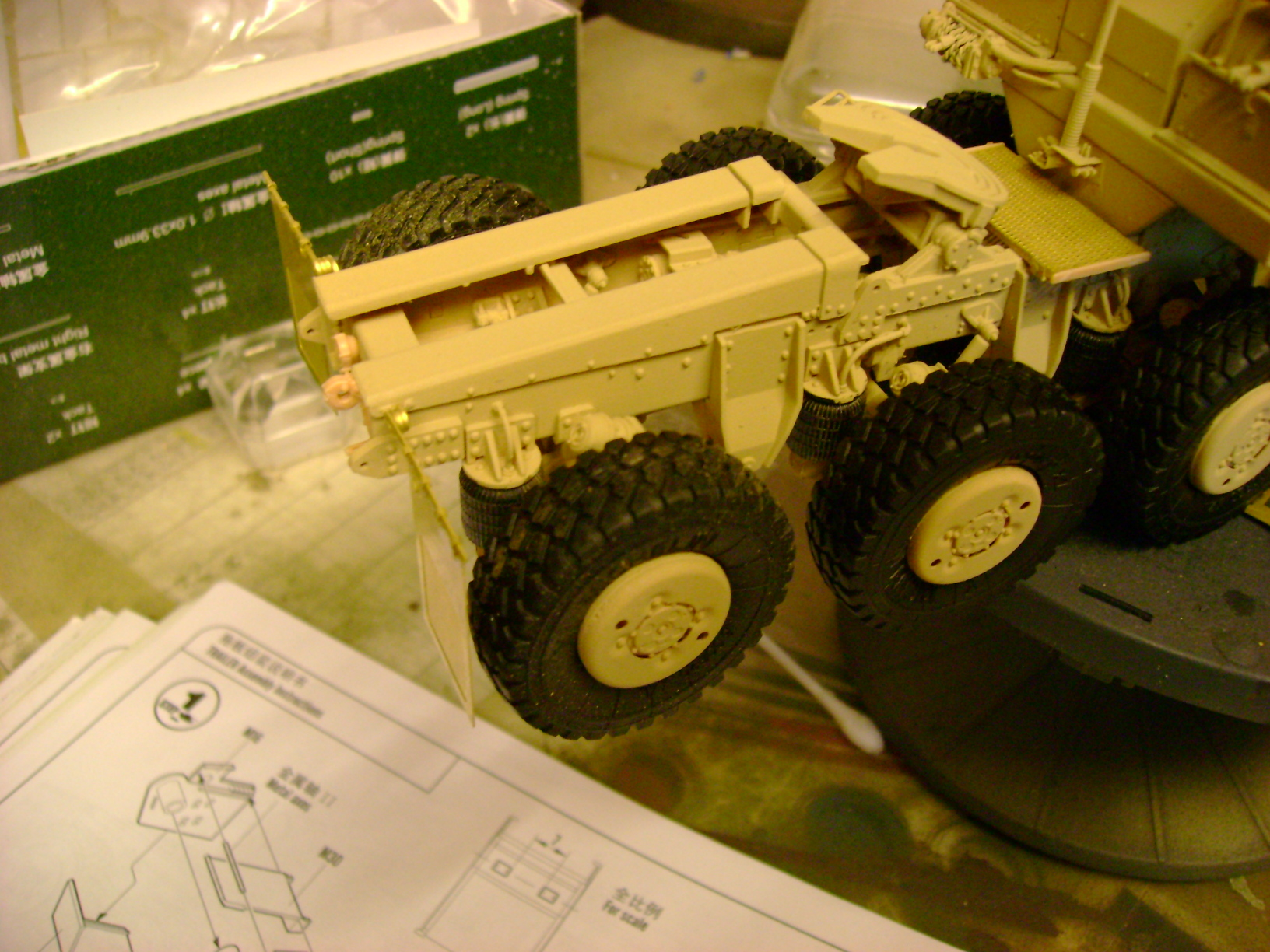 M1070 Truck Tractor & M1000 Semi-Trailer By T-bird!!!!! 1/35 Hobby Boss.Up du01/02.... - Page 4 115ukr