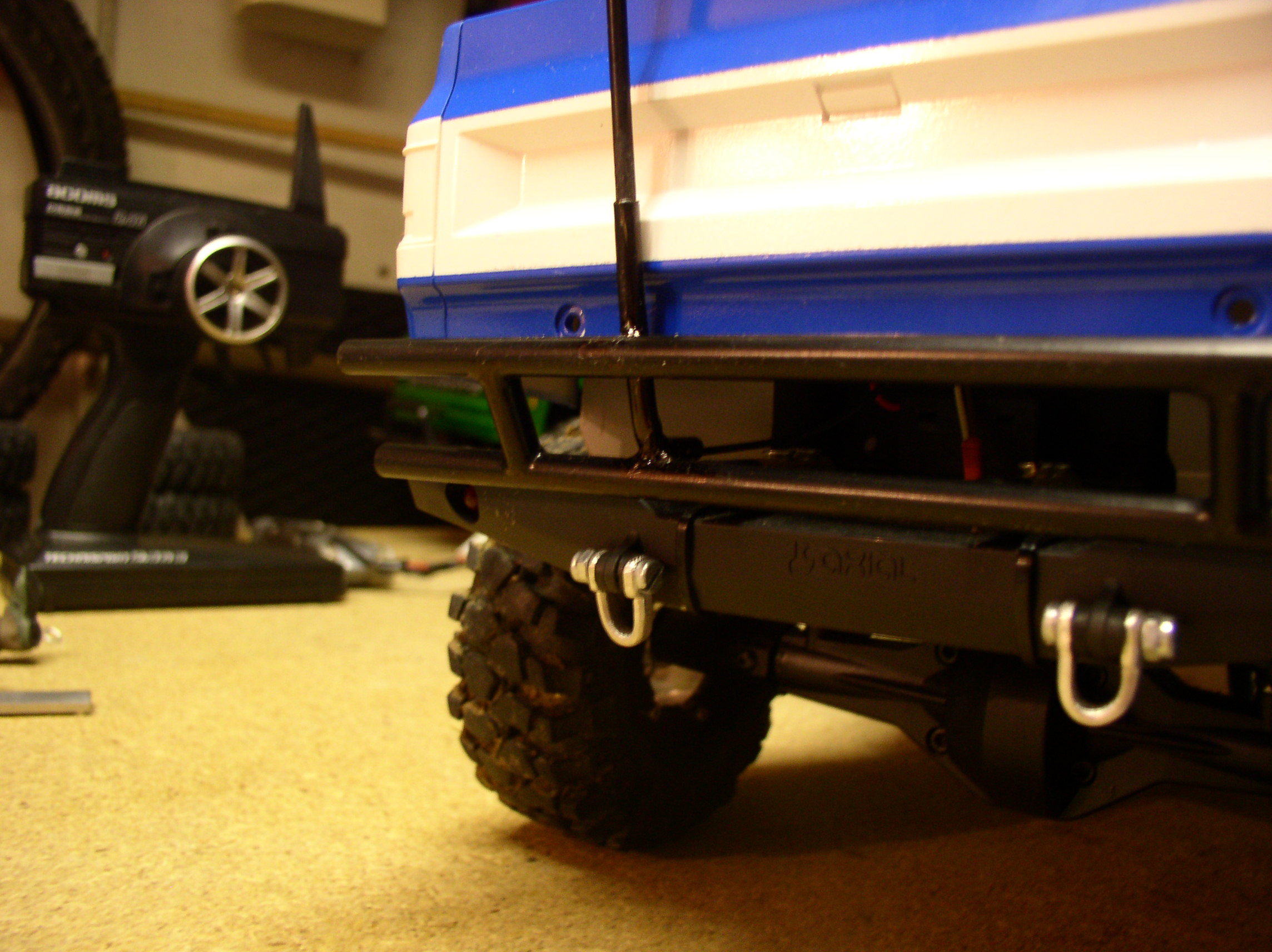 """[ SCX10 Axial ] CHEVROLET K5 Pick-up, benne rallongée.""""TERMINE"""" - Page 5 Supportantenne1"""
