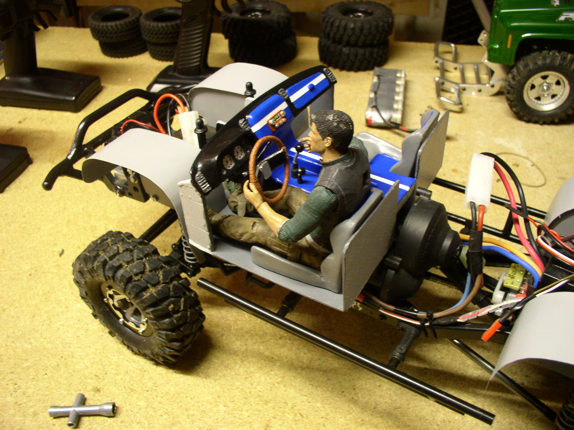 """[ SCX10 Axial ] CHEVROLET K5 Pick-up, benne rallongée.""""TERMINE"""" - Page 5 P1010008gv"""