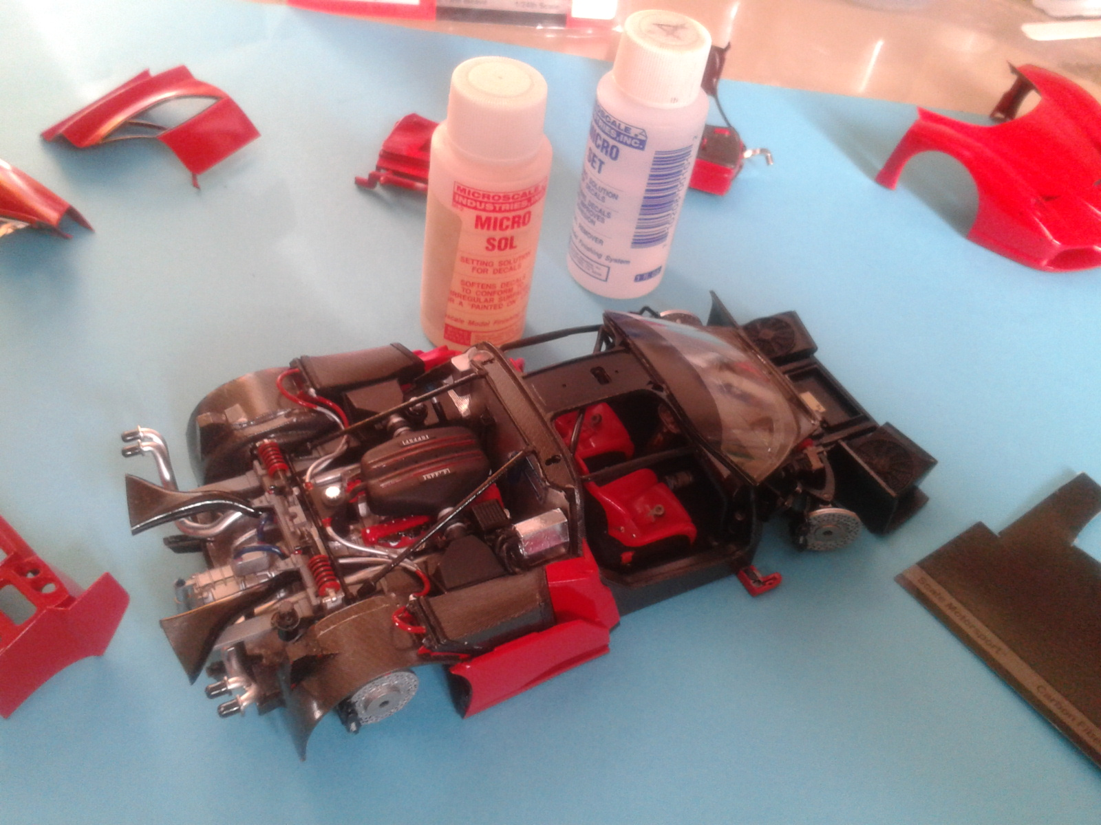 Ferrari FXX ...Tamiya 1/24... Reprise du montage !!!!!! 20130403183657