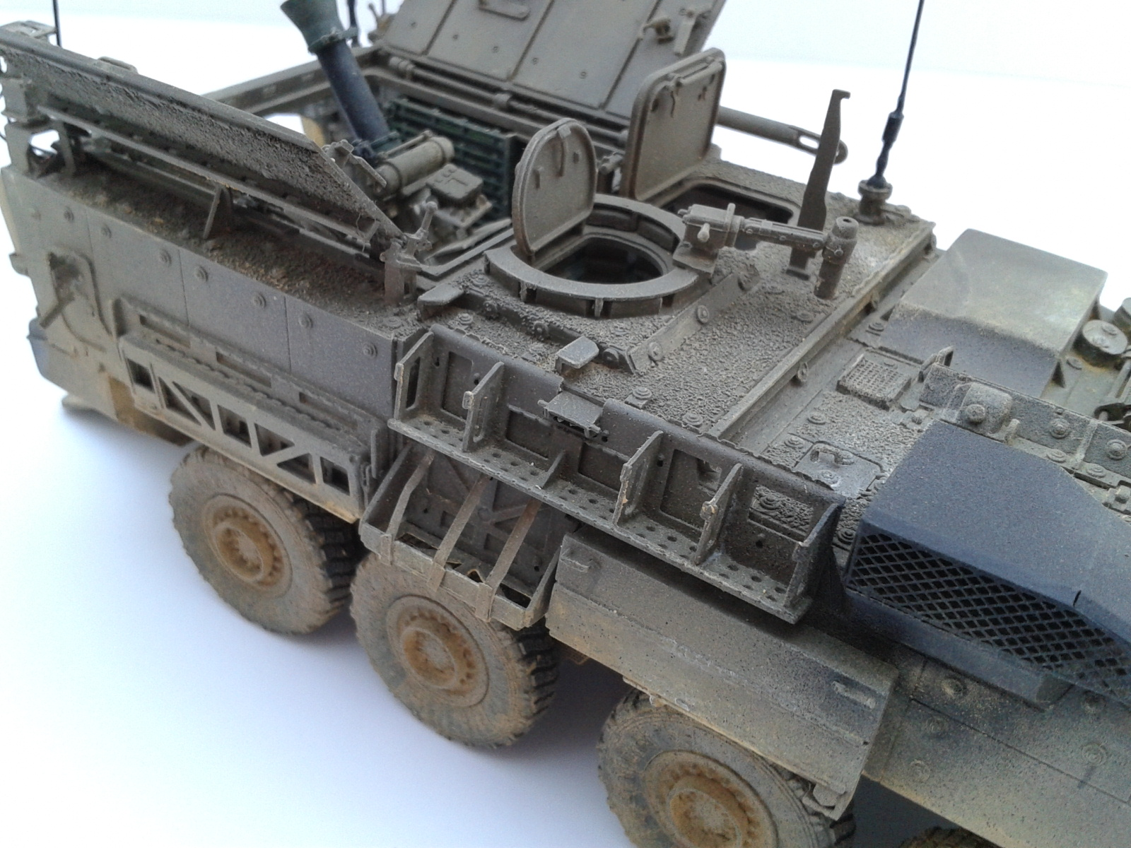 Stryker M1129 Mortar Carrier MC-B ...Montage terminé !!!! - Page 2 Hvbf