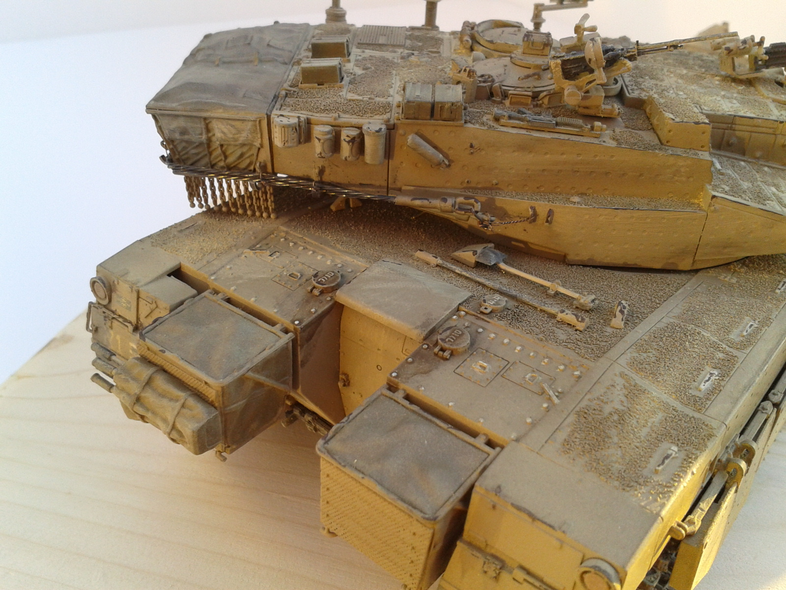 Merkava Mk.3 BAZ w/Nochri Dallet Mine Roller System Meng 1/35....Terminé !!!!! Fkb0