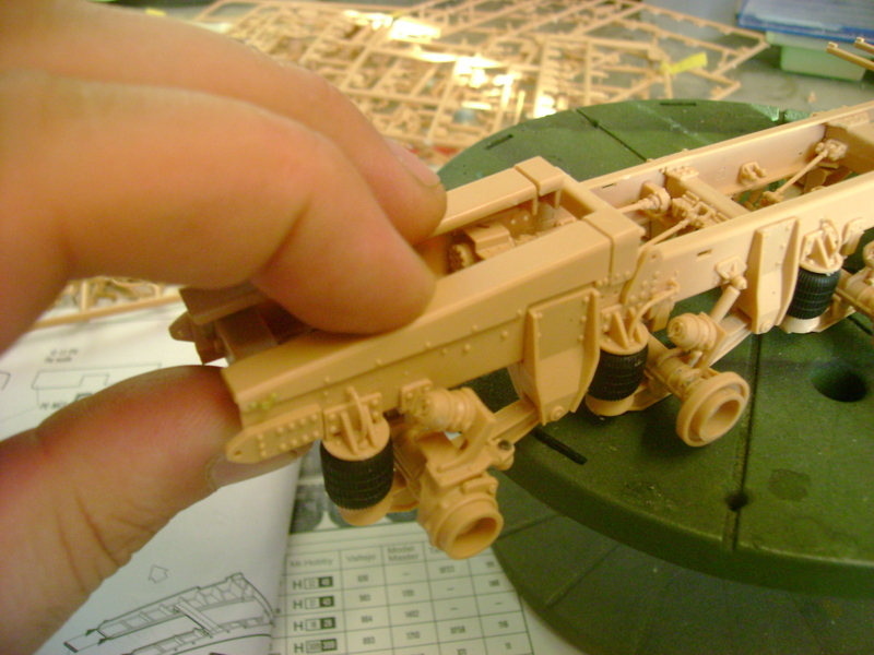 M1070 Truck Tractor & M1000 Semi-Trailer By T-bird!!!!! 1/35 Hobby Boss.Up du01/02.... - Page 2 64052982