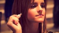 Quelques photos de l'actrice... - Page 6 16473957.th