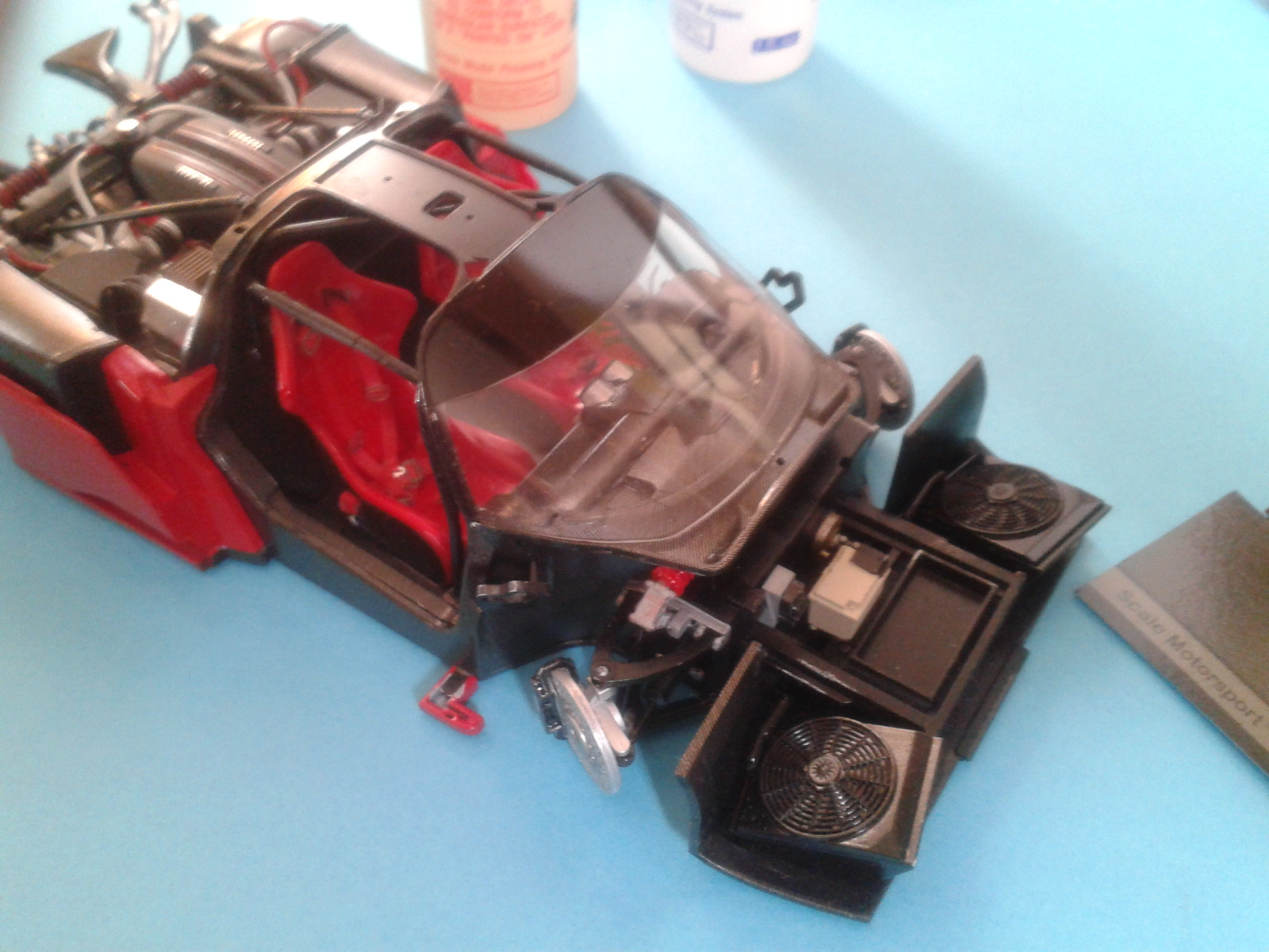 Ferrari FXX ...Tamiya 1/24... Reprise du montage !!!!!! 20130403183721