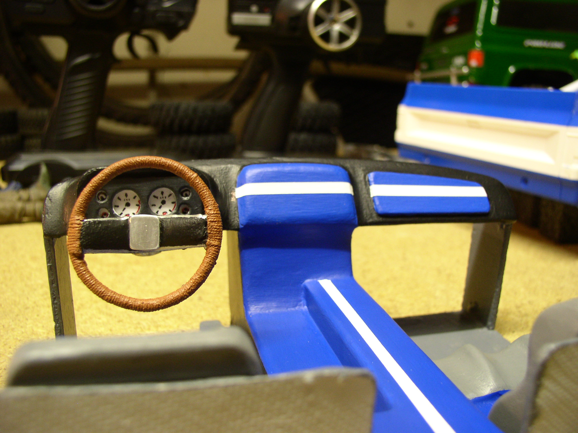 """[ SCX10 Axial ] CHEVROLET K5 Pick-up, benne rallongée.""""TERMINE"""" - Page 5 Cabine2"""