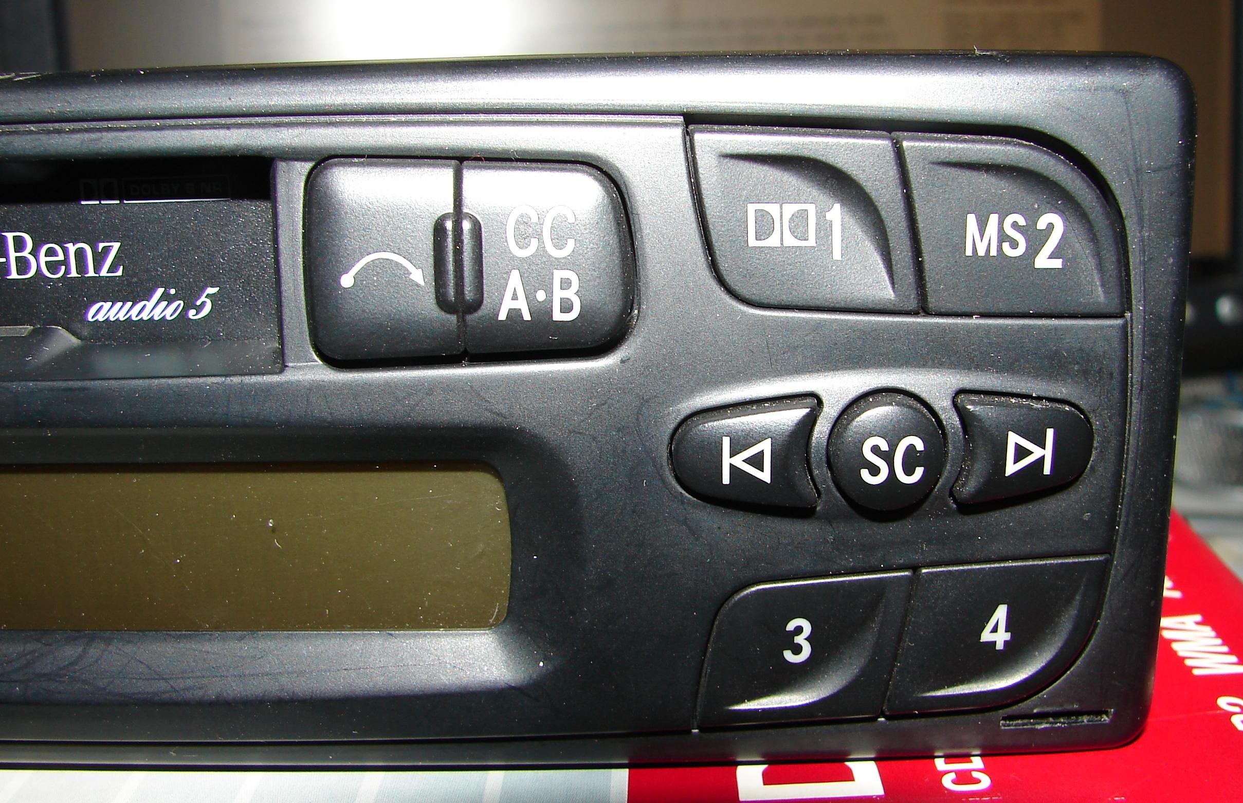 Vendo Rádio original Classe A   (168 820 00 86) - VENDIDO G9X9qG