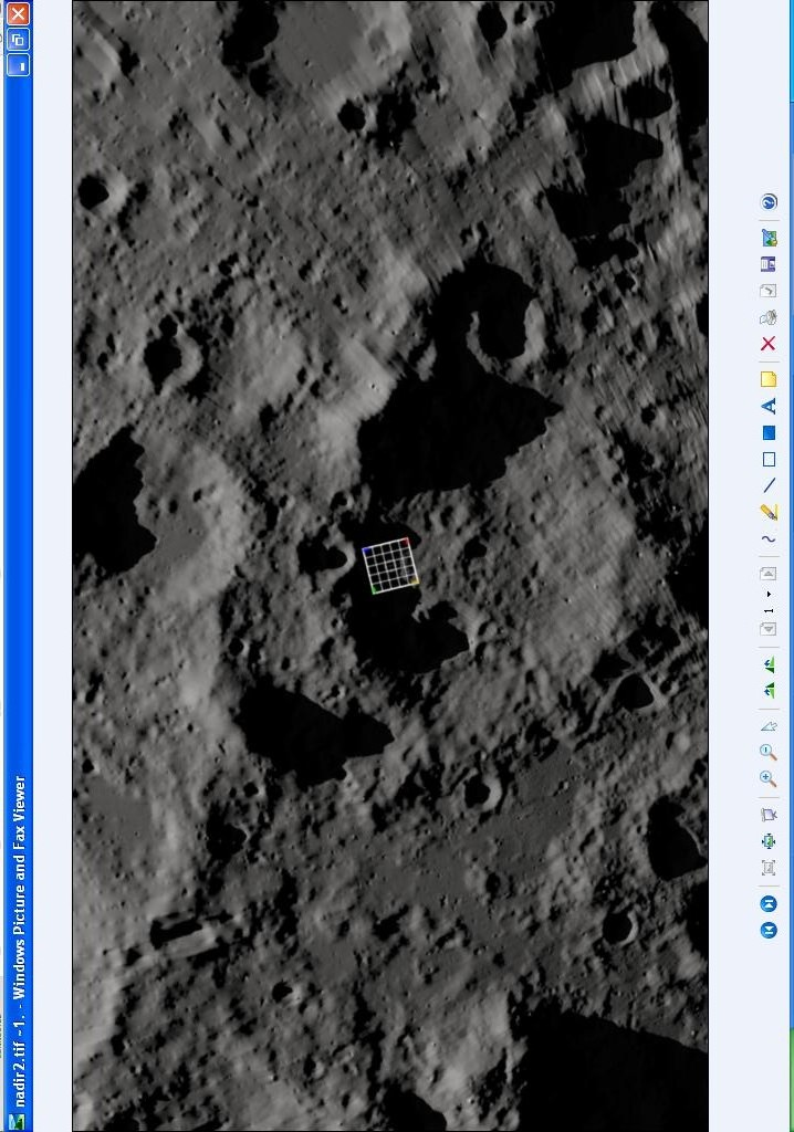 Des ovnis sur la Lune ? - Page 3 EyWycu