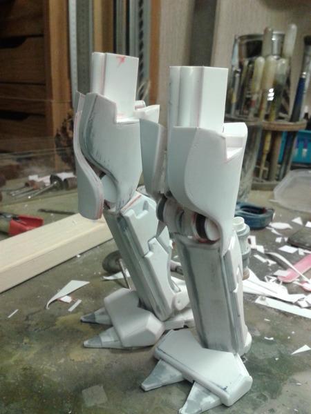 Full Scratch Robot de combat de type Gundam ....... up du 08/01/15... LYYtX2