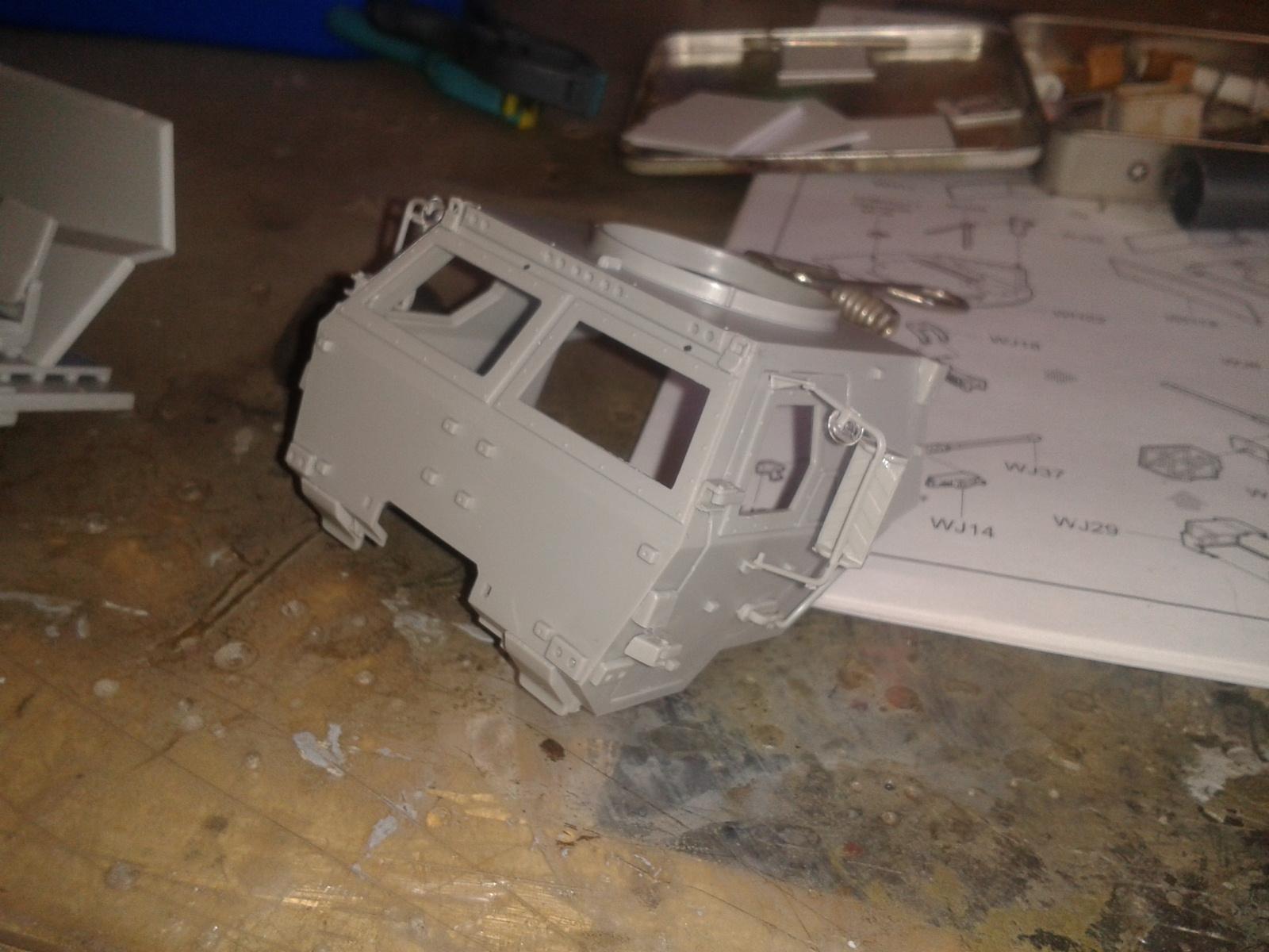 M 1078 LMTV / Armored cab.....( Début de montage)....Up du 03/01... Chfu