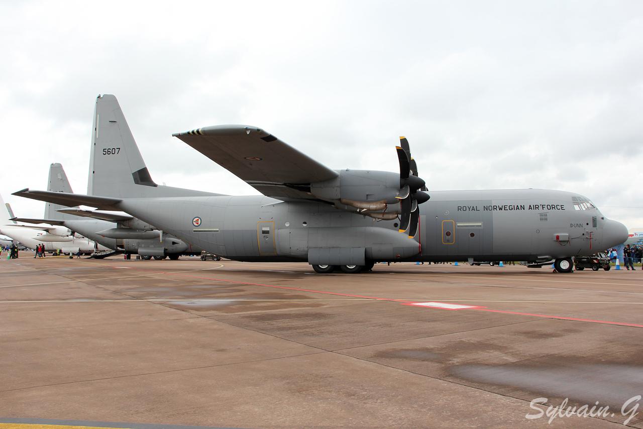 موسوعة طائرة النقل التكتيكي الاحدث C-130J Super Hercules بجميع أنواعها   5607