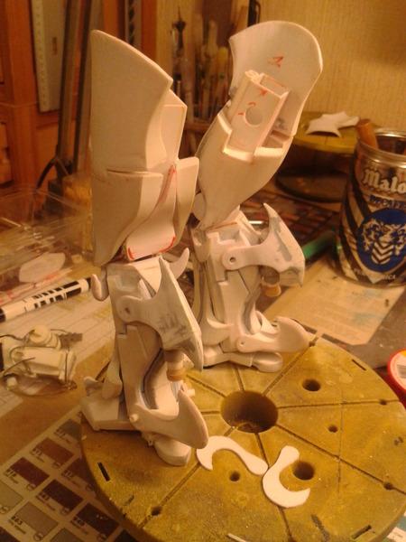 Full Scratch Robot de combat de type Gundam ....... up du 08/01/15... Fng73M