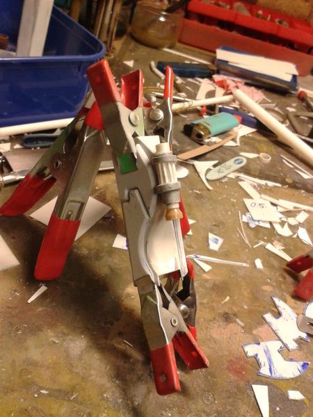 Full Scratch Robot de combat de type Gundam ....... up du 08/01/15... JM3Rsg