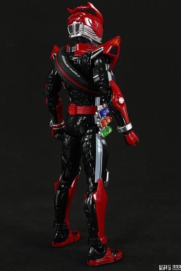 [Review] S.H. Figuarts Kamen Rider Drive type SPEED IYl0H6