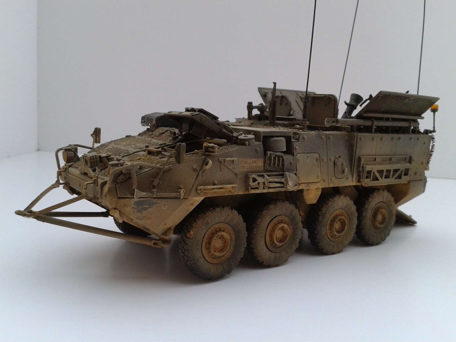 Stryker M1129 Mortar Carrier MC-B ...Montage terminé !!!! - Page 2 Yvm7