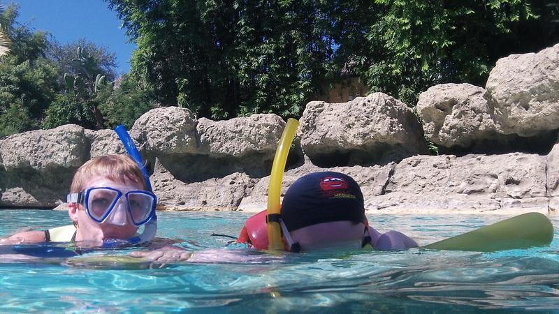 Florida, Fall 2013 - 25 days, 10 theme parks, Sun, Fun & More - Page 14 Bpbo