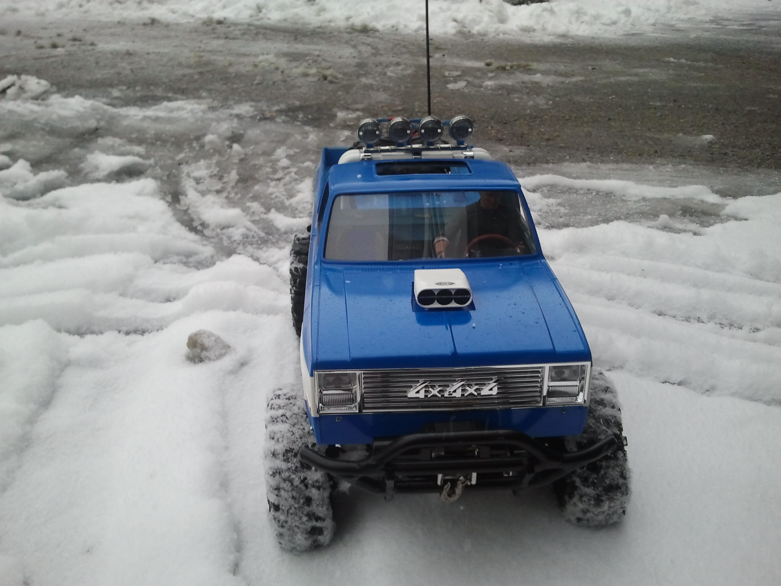 """[ SCX10 Axial ] CHEVROLET K5 Pick-up, benne rallongée.""""TERMINE"""" - Page 6 20130312173611"""