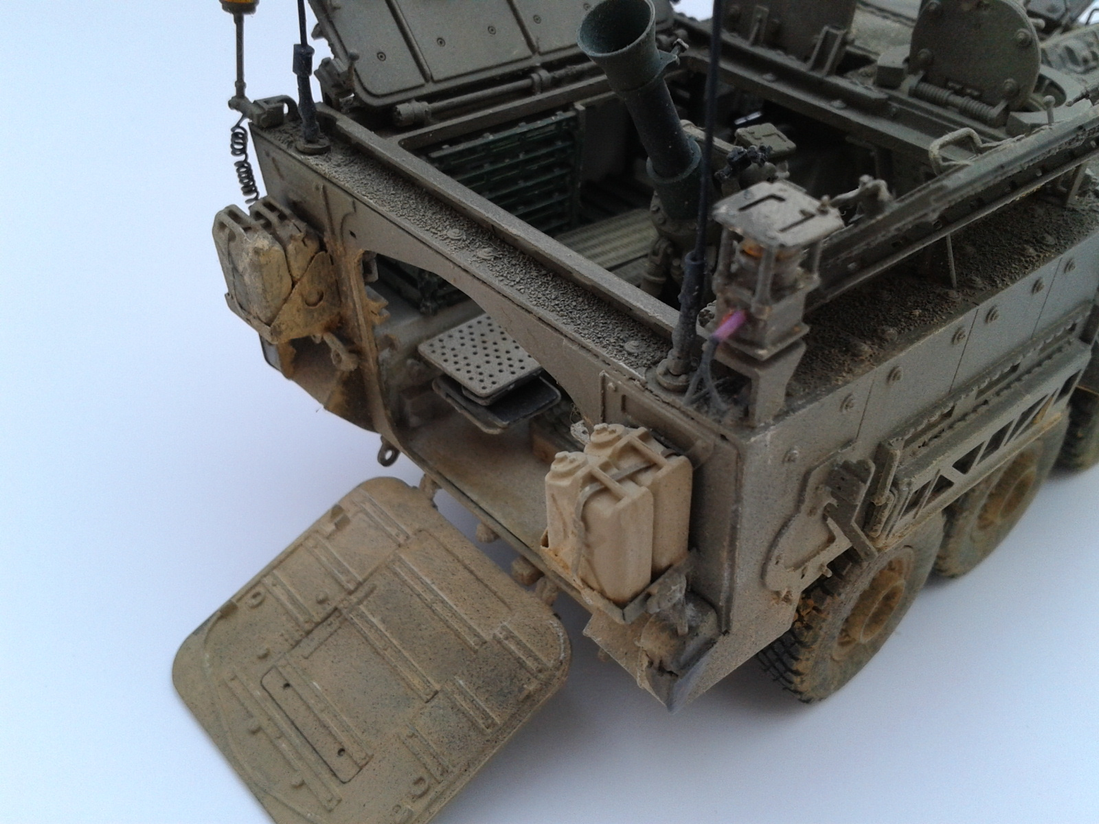 Stryker M1129 Mortar Carrier MC-B ...Montage terminé !!!! - Page 2 7onc