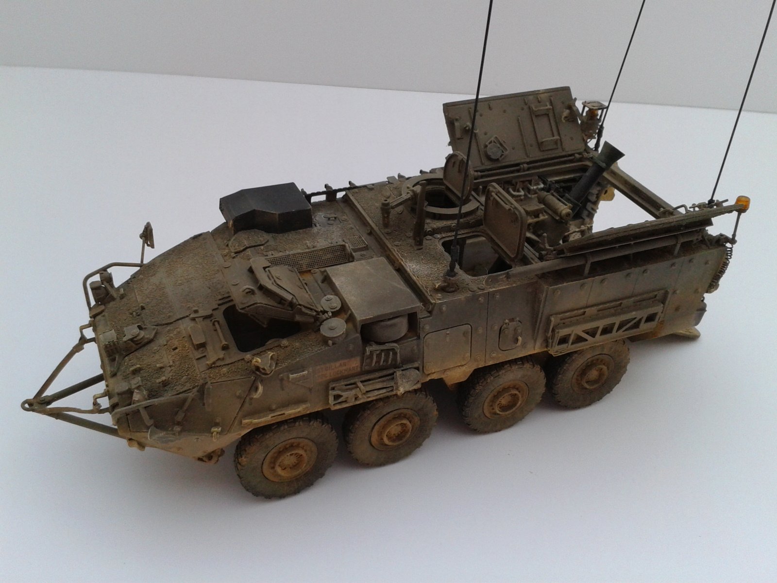 Stryker M1129 Mortar Carrier MC-B ...Montage terminé !!!! - Page 2 Dxam