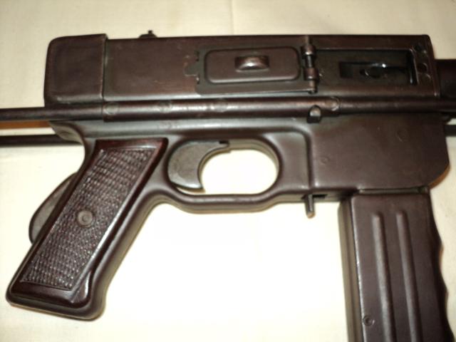 PISTOLET MITRAILLEUR DE 9 mm (MODELE 1949) Dsc00009kz