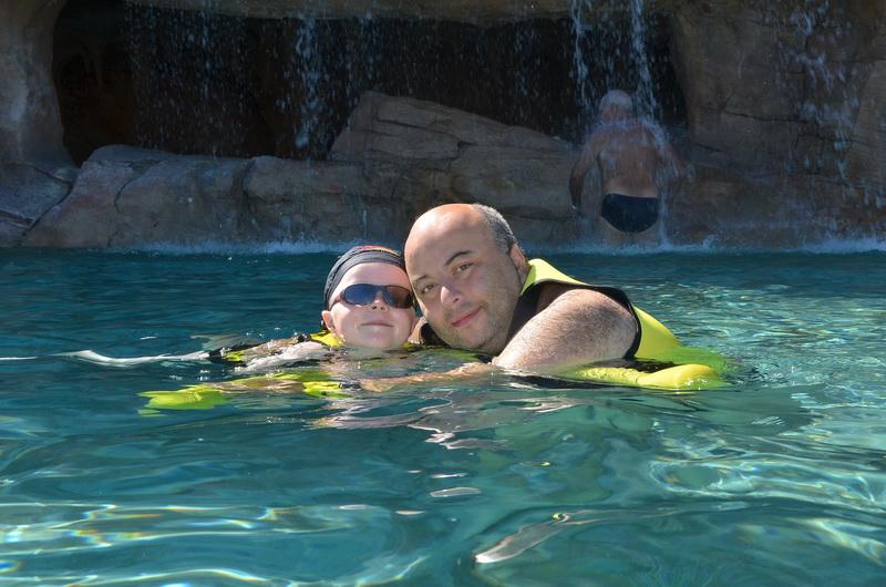 Florida, Fall 2013 - 25 days, 10 theme parks, Sun, Fun & More - Page 14 Zjhx