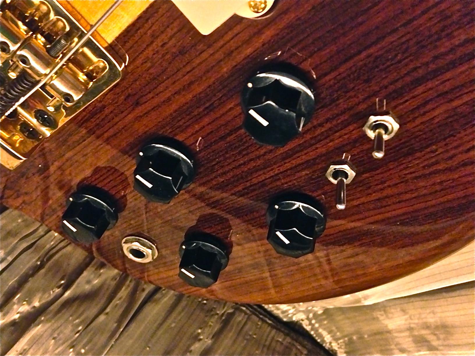 Restaurado baixo Giannini 1980's linha Profissional (Alembic) AE014B Oz6d