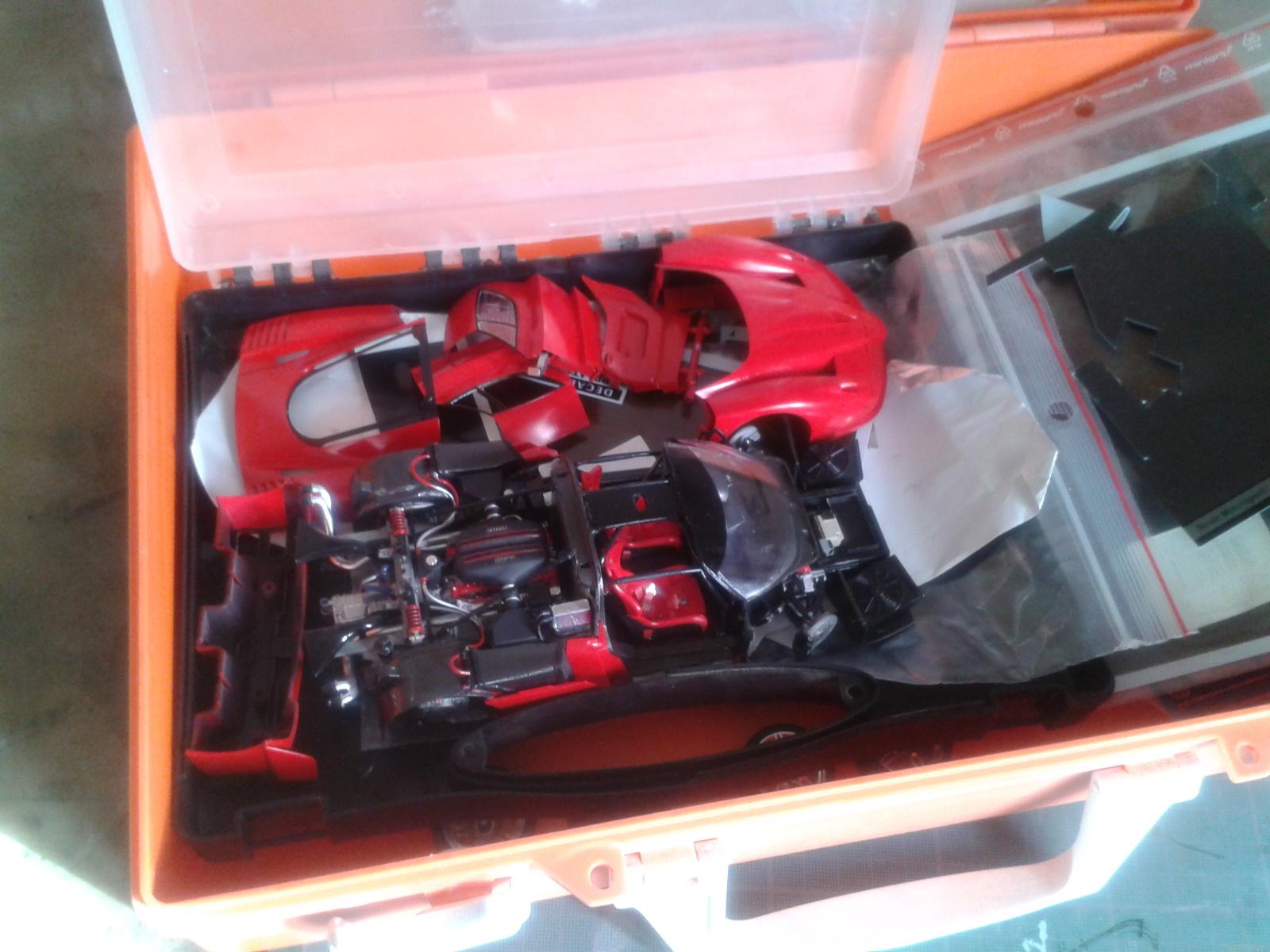 Ferrari FXX ...Tamiya 1/24... Reprise du montage !!!!!! 20130403175356