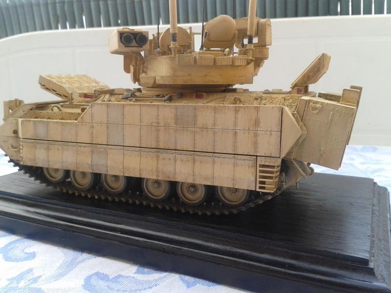 Bradleys M2A3 w/Busk III Meng 1/35 by T-Bird....Terminer !!!!! Qwkmh