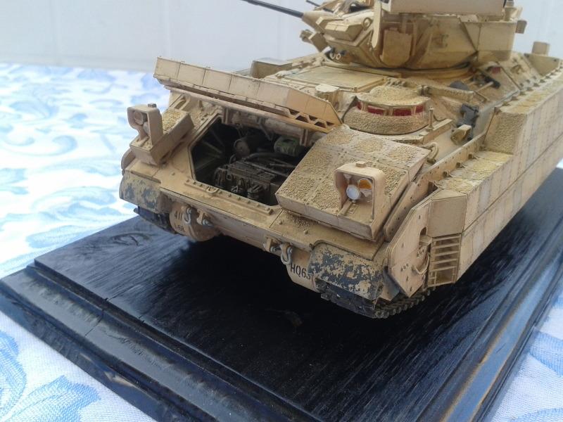 Bradleys M2A3 w/Busk III Meng 1/35 by T-Bird....Terminer !!!!! 83hs