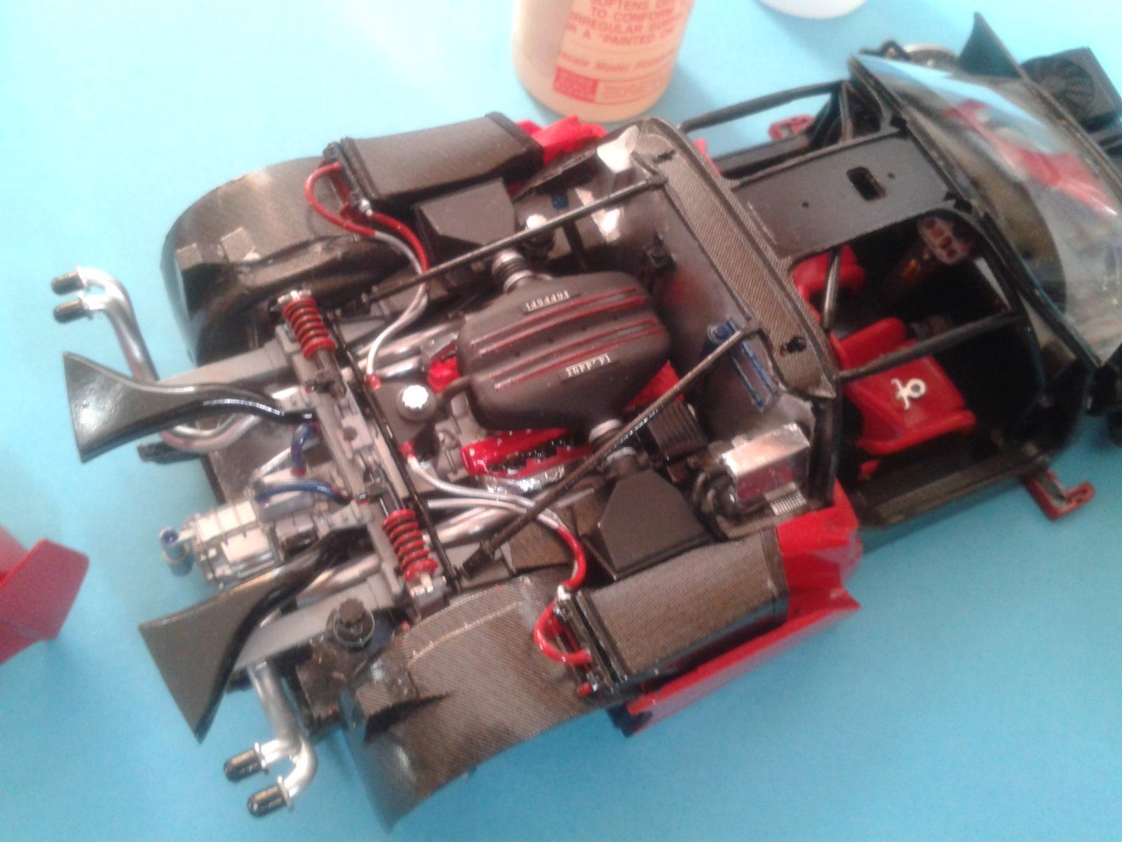 Ferrari FXX ...Tamiya 1/24... Reprise du montage !!!!!! 20130403183713