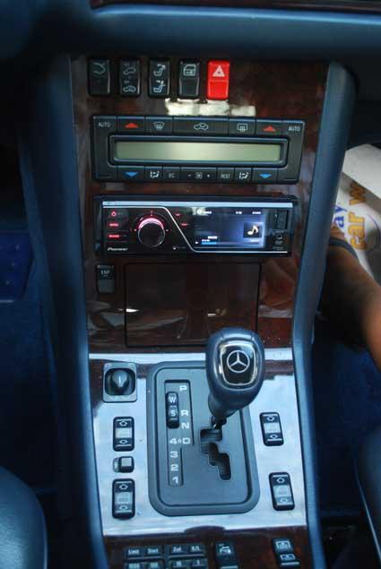 (SONORIZAÇÃO): Qual o melhor som original nas Mercedes dos anos 90? - Página 2 Dsc5617k