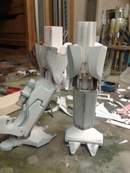 Full Scratch Robot de combat de type Gundam ....... up du 08/01/15... TR2aBO