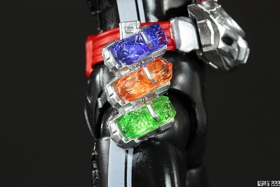 [Review] S.H. Figuarts Kamen Rider Drive type SPEED F4CjFP
