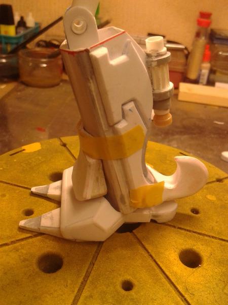 Full Scratch Robot de combat de type Gundam ....... up du 08/01/15... OI335W