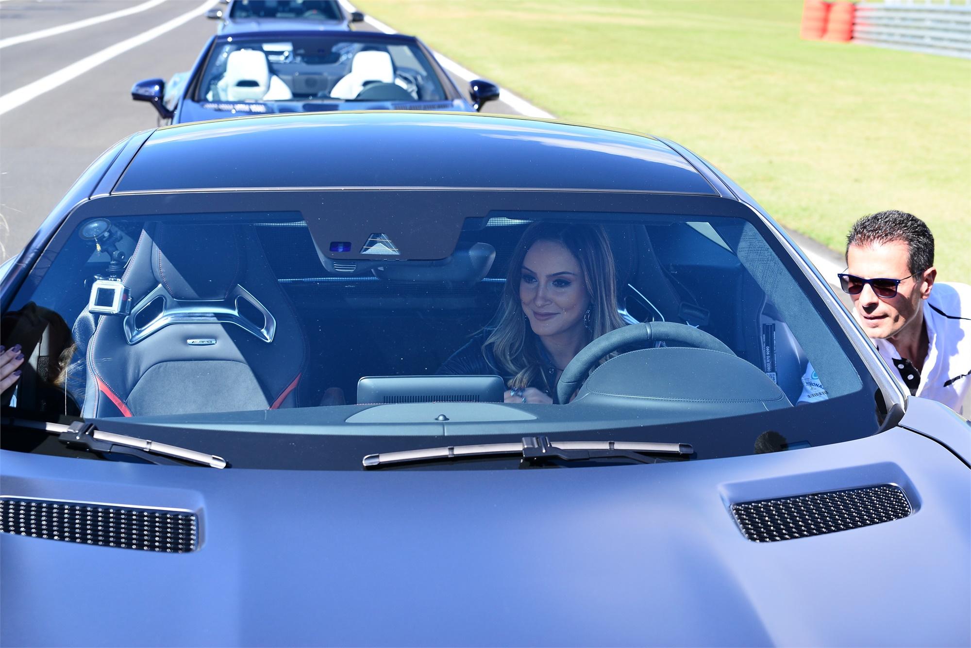 Mercedes-AMG promove dia de pista exclusivo para mulheres B47zsF