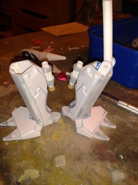 Full Scratch Robot de combat de type Gundam ....... up du 08/01/15... FXytt0