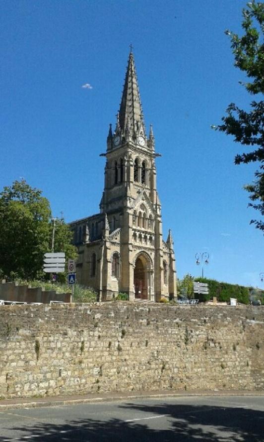 2016: le 15/08 à 13h45 - Un phénomène ovni troublant -  Ovnis à Saint Cyr au Mont d'or - Rhône (dép.69) MUt7Nq