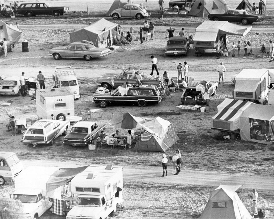 fotos viejas de VW's in USA  YrwkjS