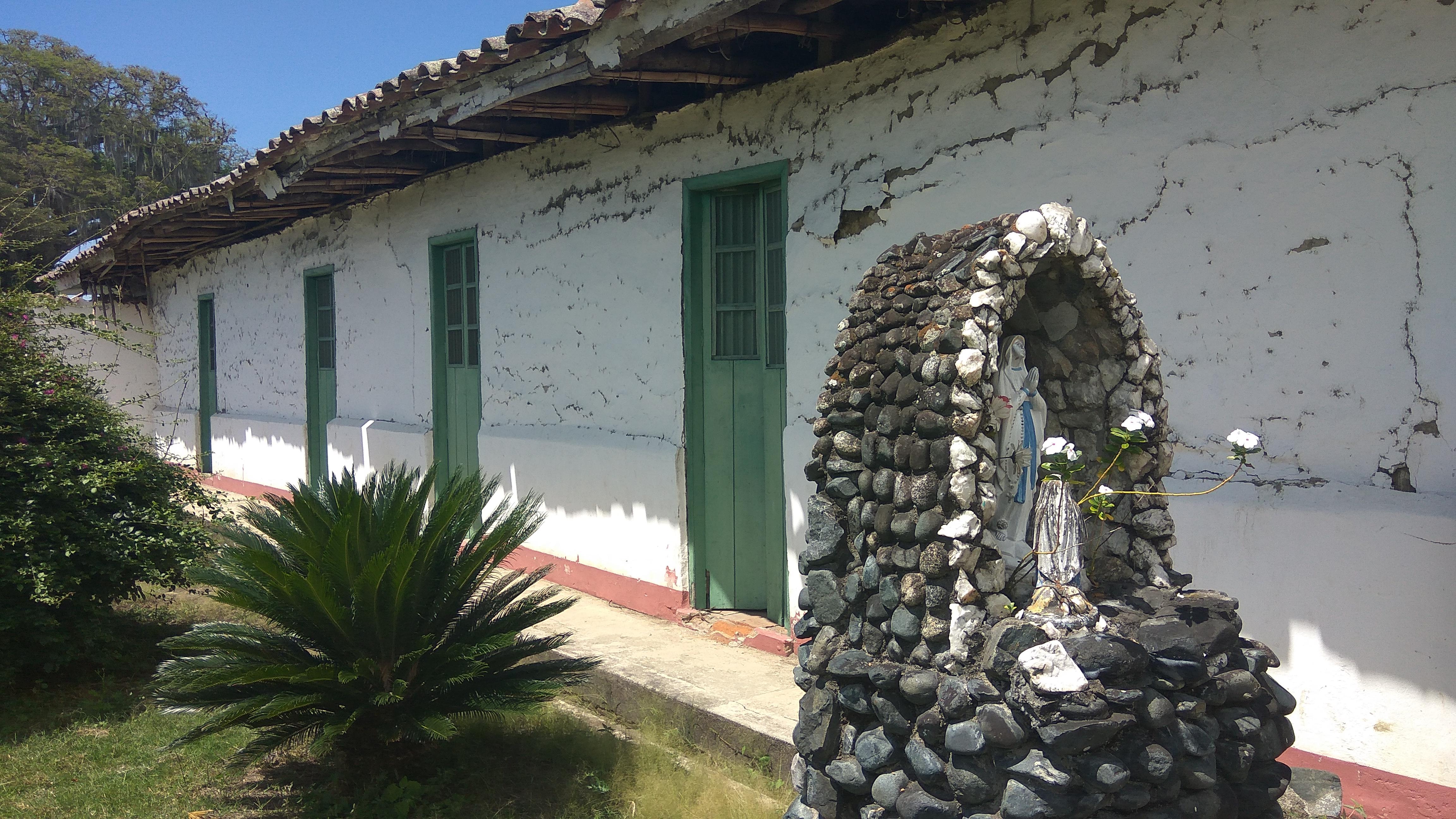Hacienda Antigua Colombia Intacta  SBtOKH