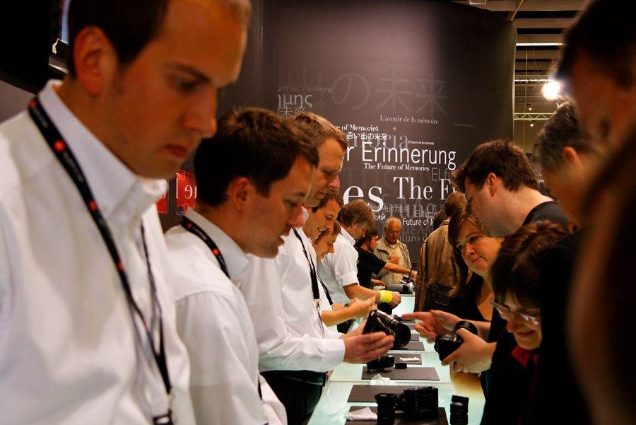 Présentation de la Photokina de Cologne ce samedi 27 Septembre 2008 Img5368iy0