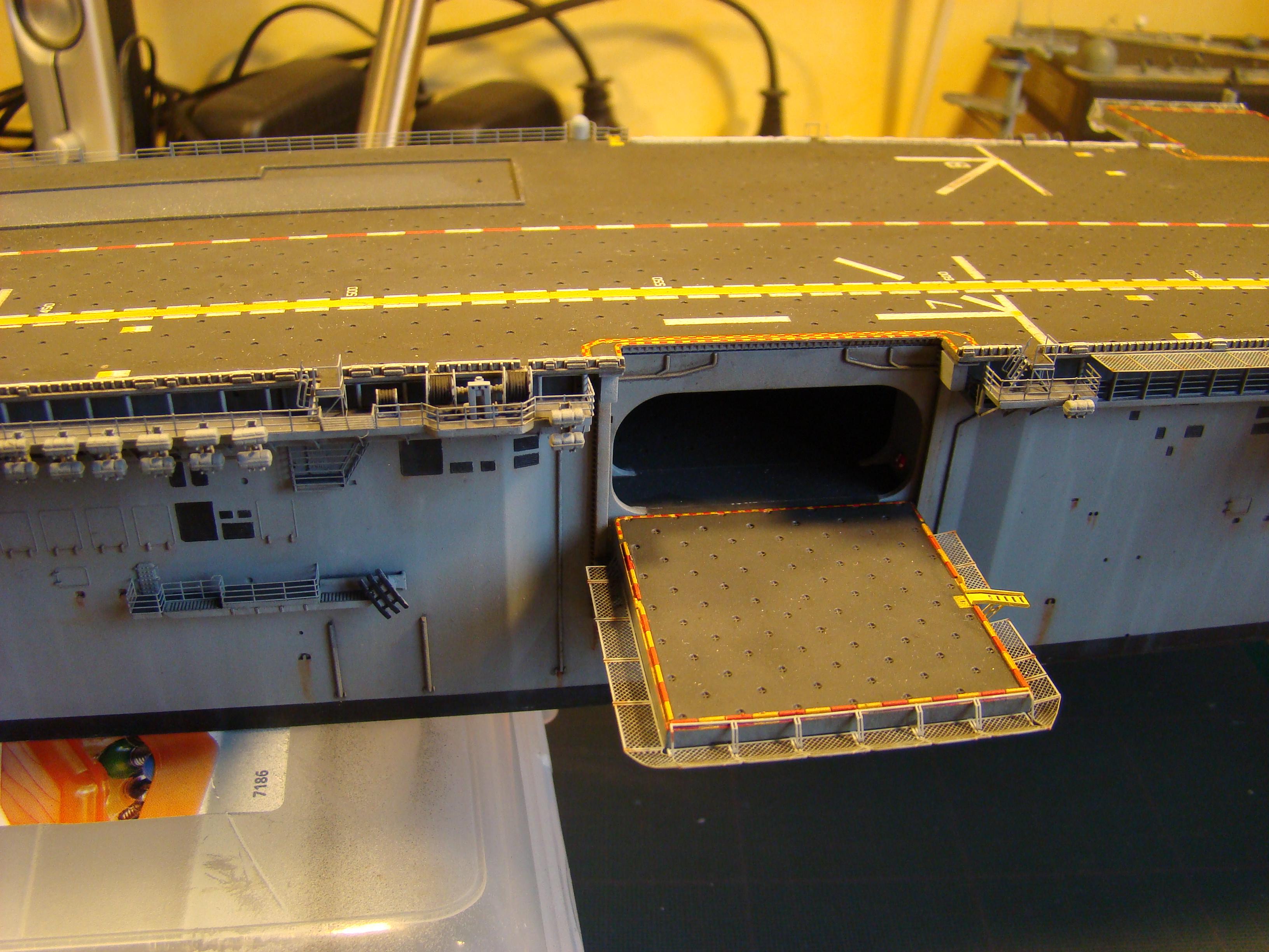 USS WASP LHD-1 au 1/350ème par nova73 - Page 7 Dsc09104e