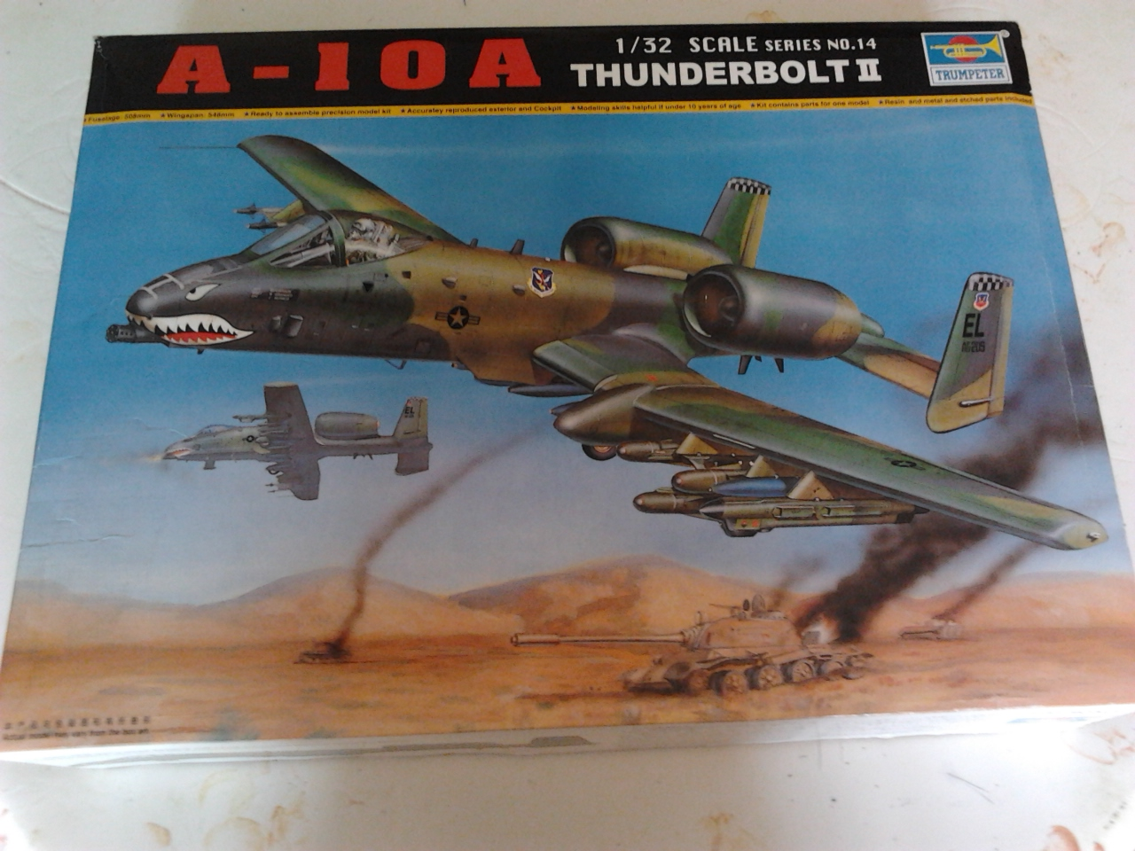 A-10 Thunderbolt II...1/32 Trumpeter + PE Edouard....( T-Bird) Up 02/12.... 20120425141757