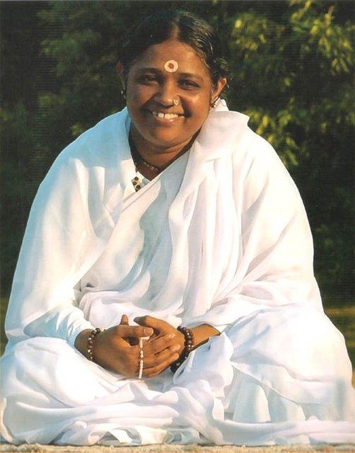 Sri Mata Amritanandamayi : Amma Amma1w