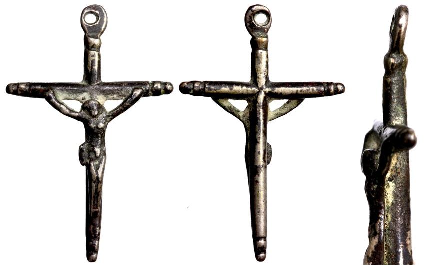 Pequeño crucifijo de plata J013dcrucifijoplata2619