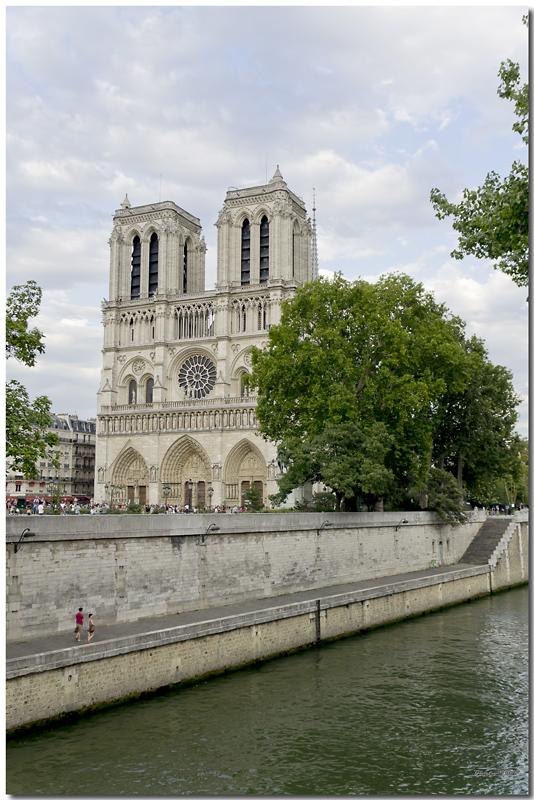 A Paris au mois d'août.  - Page 10 Jp115651024
