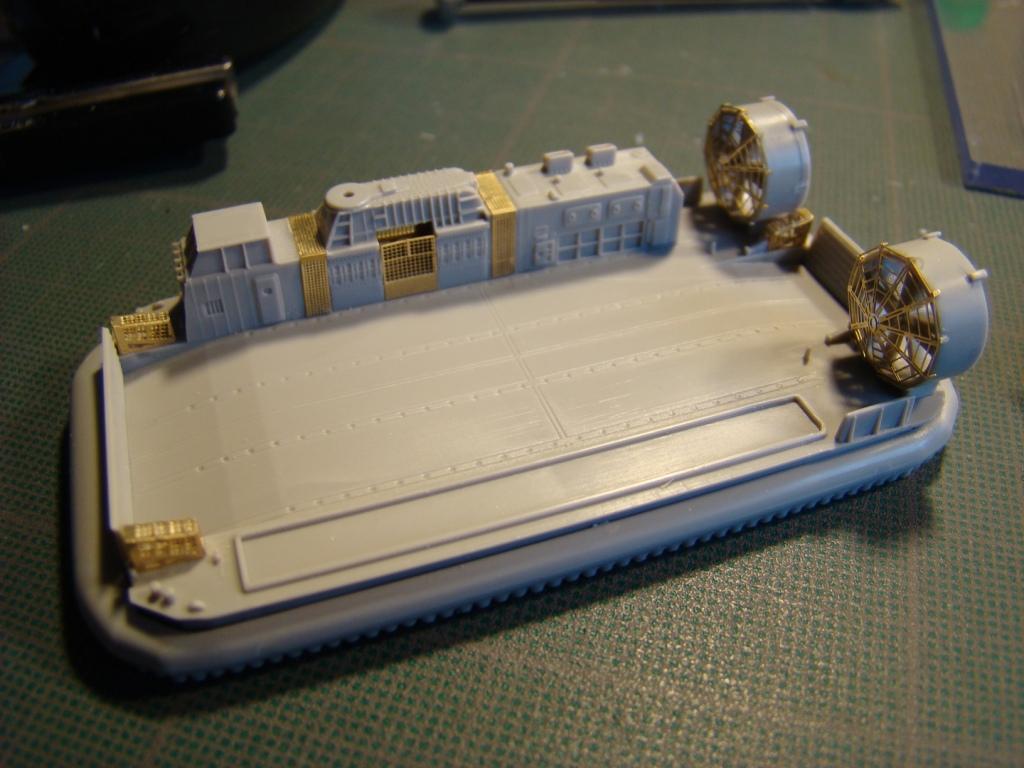 USS WASP LHD-1 au 1/350ème par nova73 - Page 5 Dsc08966e