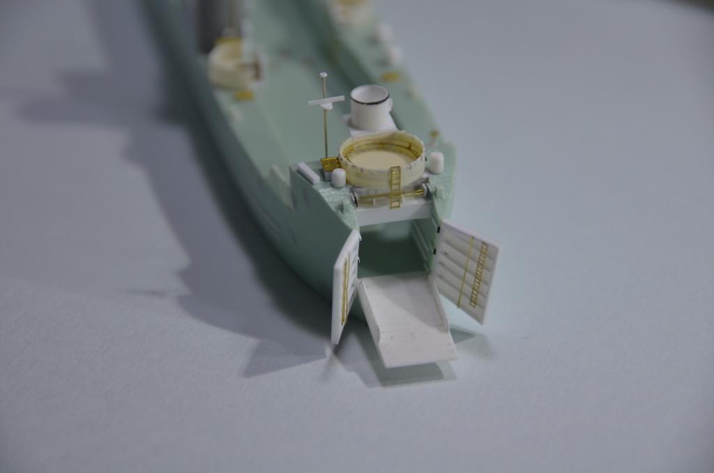 Port Artificiel MULBERRY au 1/350 - Page 3 04w0