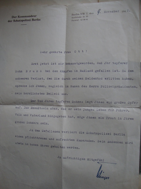 Vos livrets militaires allemands WWII (Soldbuch, Wehrpass..) / Heer-LW-KM-SS... 8zil