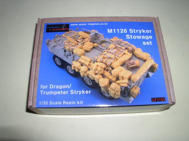 Review set résine pour Stryker 1126 Stowage set 1/35.production Legend  P9160002