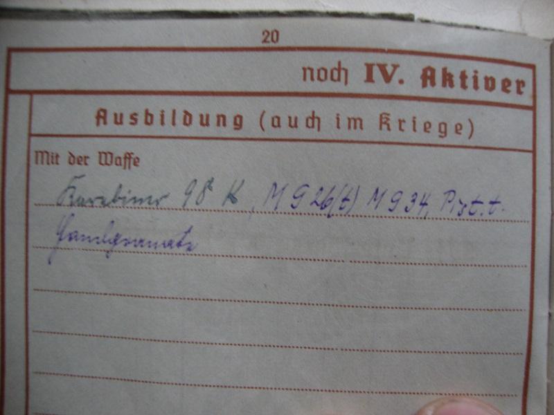 Vos livrets militaires allemands WWII (Soldbuch, Wehrpass..) / Heer-LW-KM-SS... Djq3